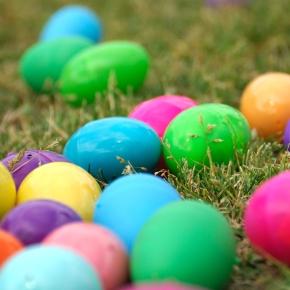 Βάφουμε οικολογικά πασχαλινά αυγά:)