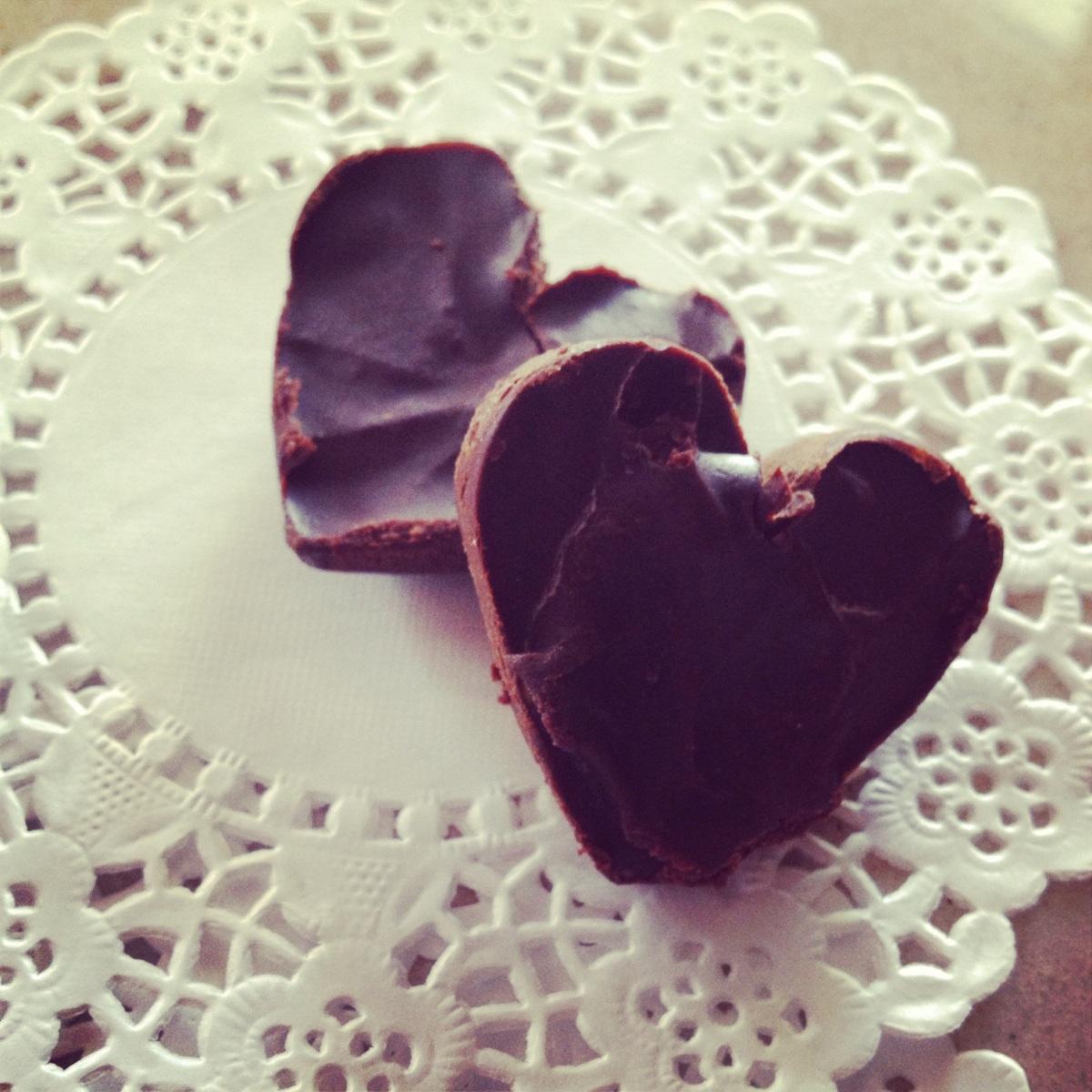 Φτιάξτε τα σοκολατάκια των ονείρων σας!/ How to make your own special chocolate bites!