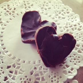 Φτιάξτε τα σοκολατάκια των ονείρων σας!/ How to make your own special chocolatebites!