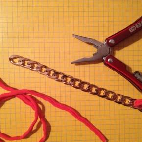 Εύκολο και απλό βραχιόλι «up-to-date»/ An easy and simple way to make fashionablebracelets