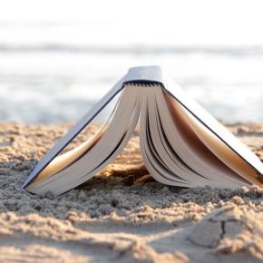 Προτάσεις: Βιβλία για τηνπαραλία!