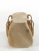 mondana_bag_wooden_stool_riva_1920_2-580x765