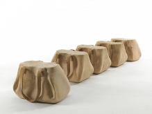 mondana_bag_wooden_stool_riva_1920_6-580x439