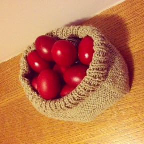 DIY: Πλεκτό καλάθι, εκεί θα βρούν τη θέση τους τα πασχαλινά αυγά!/ DIY Easter knittedbasket