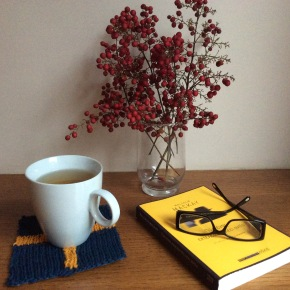 DIY: Σουβέρ απο ρετάλια νήματος για πλέξιμο/ Remnants of knitting yarn find a place in yourtable!