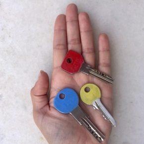 DIY: Δύο διαφορετικές χρήσεις του βερνικιού νυχιών!/ Easy nail polishDIY!