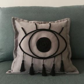 DIY: Φτιάξτε το πιο «ελληνικό» μαξιλάρι!/ The greek «evil eye» handmadepillow